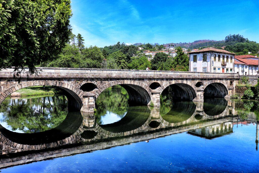 Ponte sobre o Rio Vez